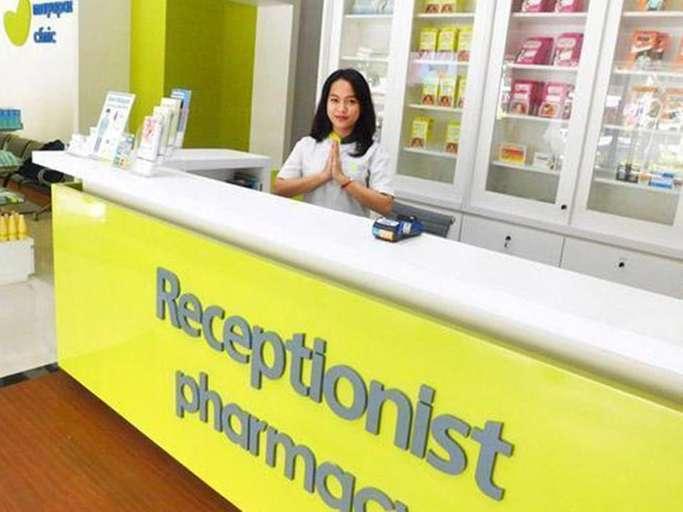 resepsionis klinik mayapada